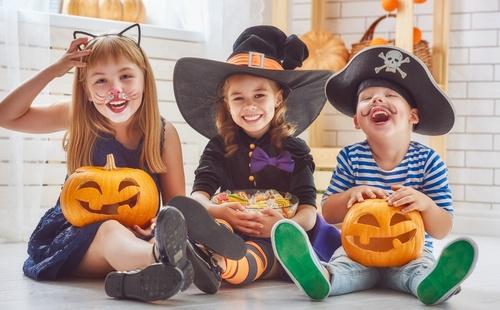 How-To-Keep-Kids-Safe-on-Halloween.jpg