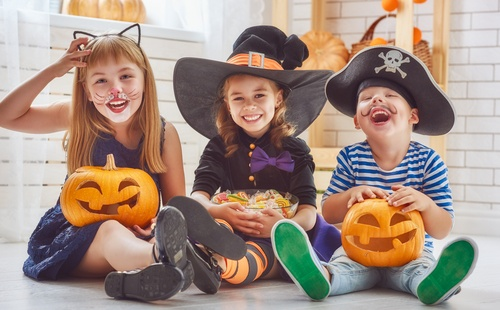 How-To-Keep-Kids-Safe-on-Halloween.jpg